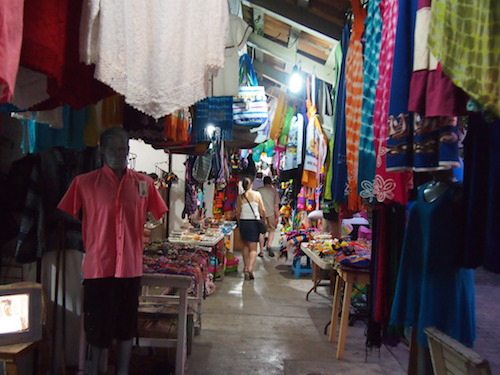 sidewalk shopping in barra de navidad