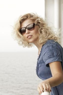 woman at cruise ship rail