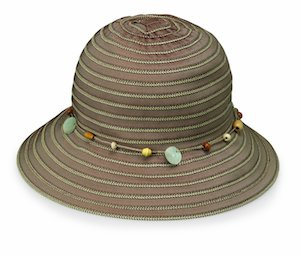 Cute packable hat with a string of beads